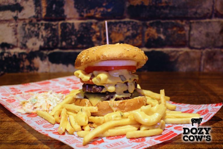 Dozy Cow's Jefferson Mac N Cheese Burger